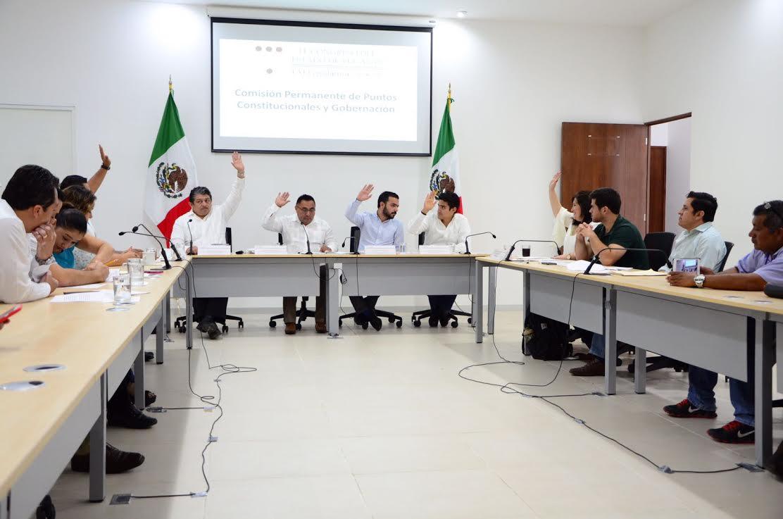 Avalan en comisiones quitar fuero y pensiones a gobernador en Yucatán