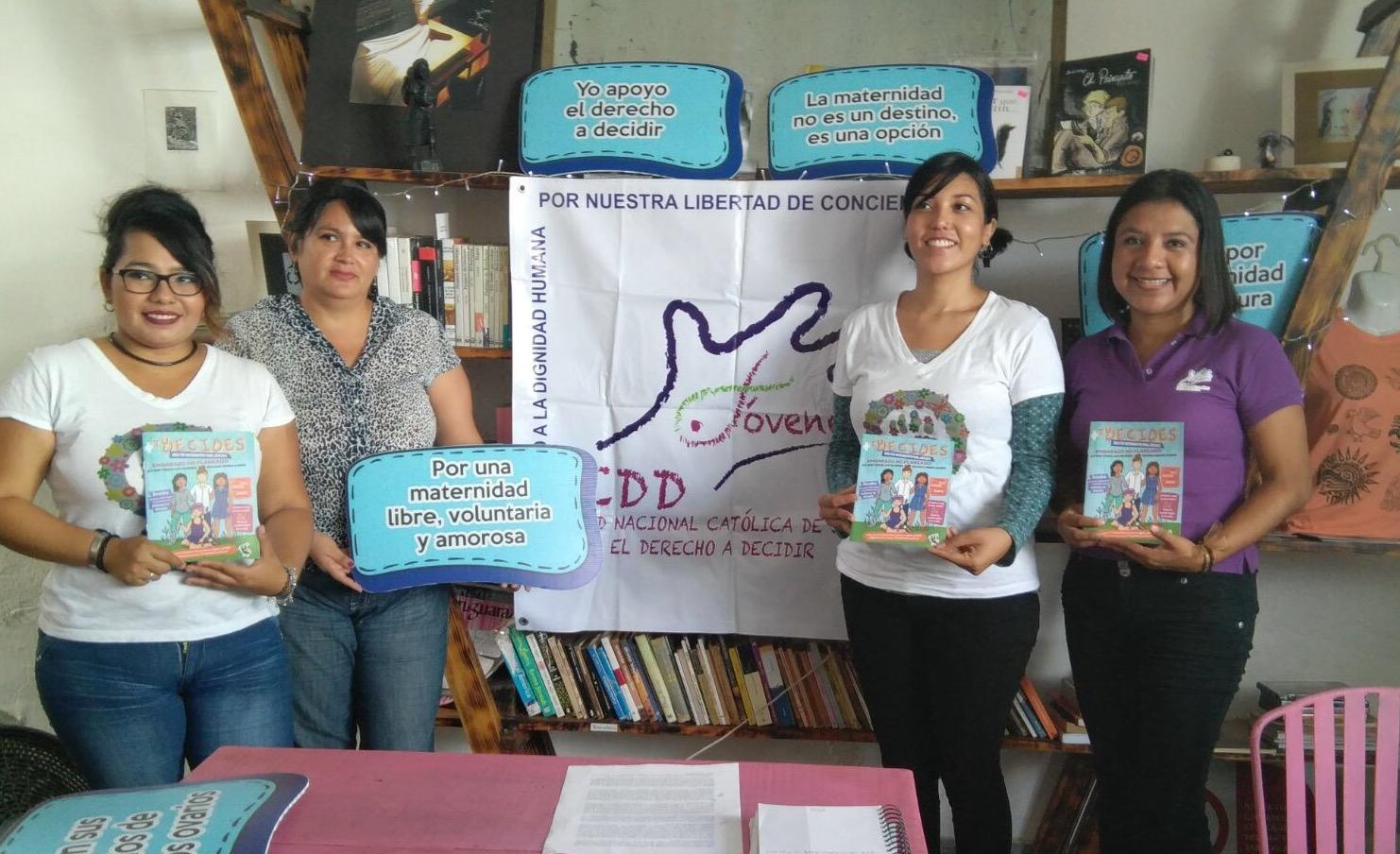 Mujeres jóvenes difunden sobre embarazos no planeados
