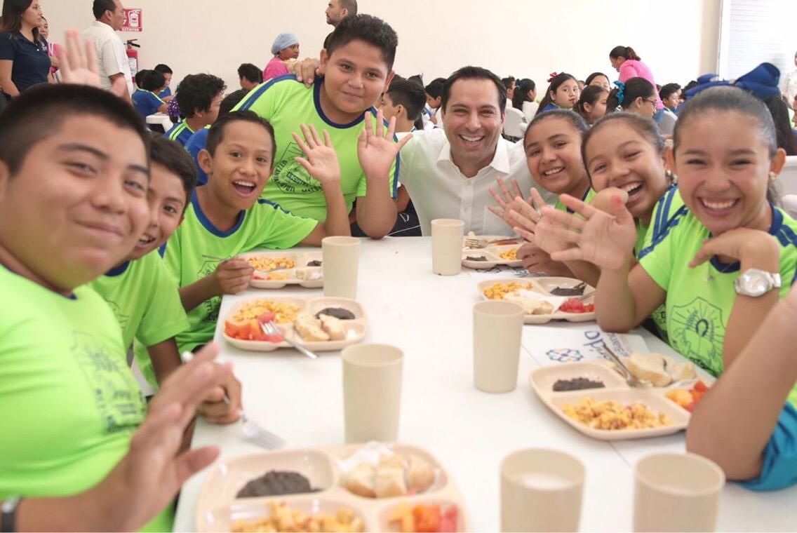 Inauguran comedor en escuela Nezahualcóyotl de colonia Bojórquez