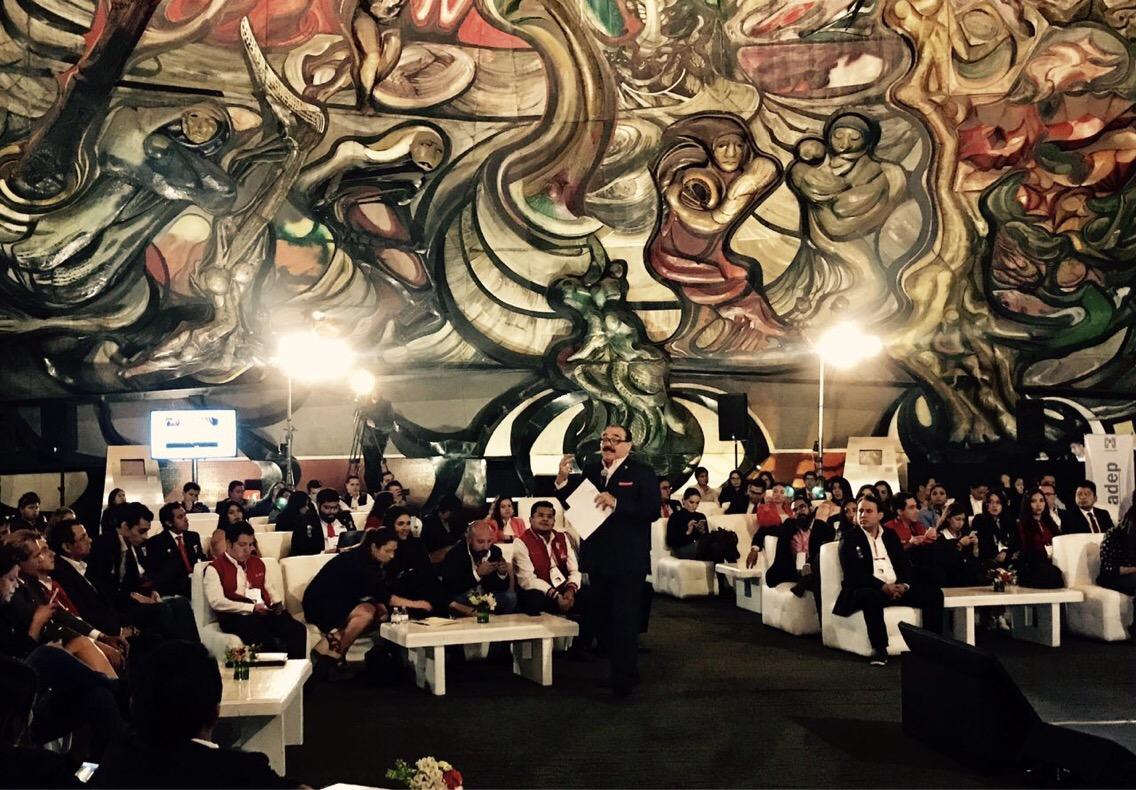 Conferencia de Ramírez Marín con 300 jóvenes de todo el país