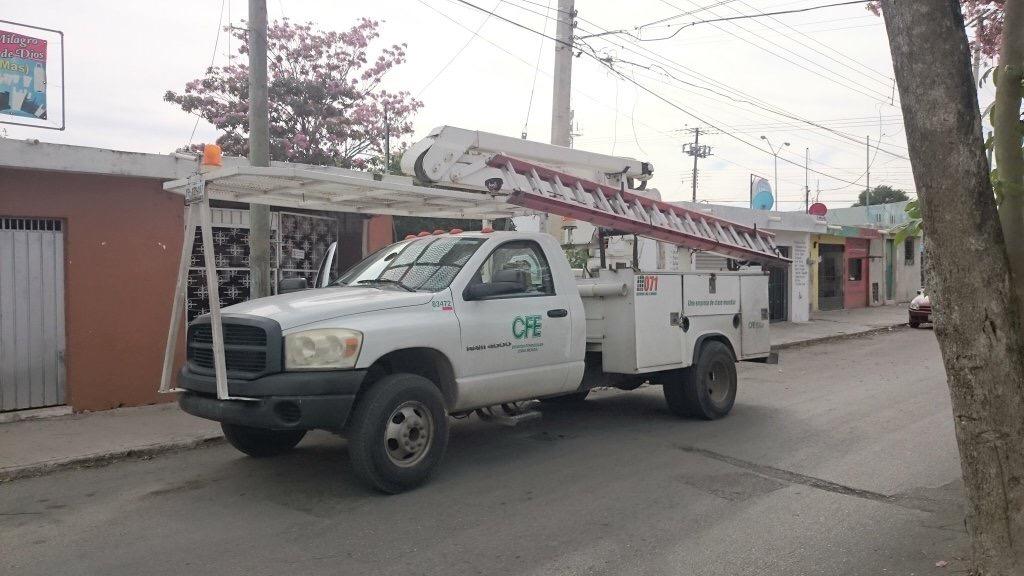 'Sobrecarga en red eléctrica' provocó mega apagón