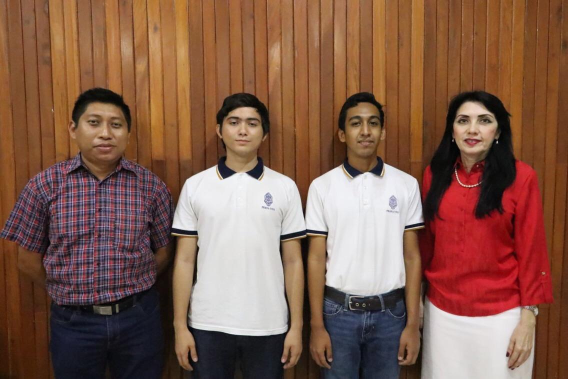 Van estudiantes UADY a competencias internacionales de Informática y Física