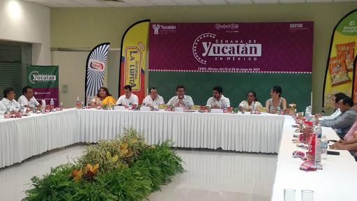 En puerta Semana de Yucatán en México