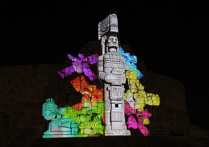 Monumento a la Patria en video 'mapping'