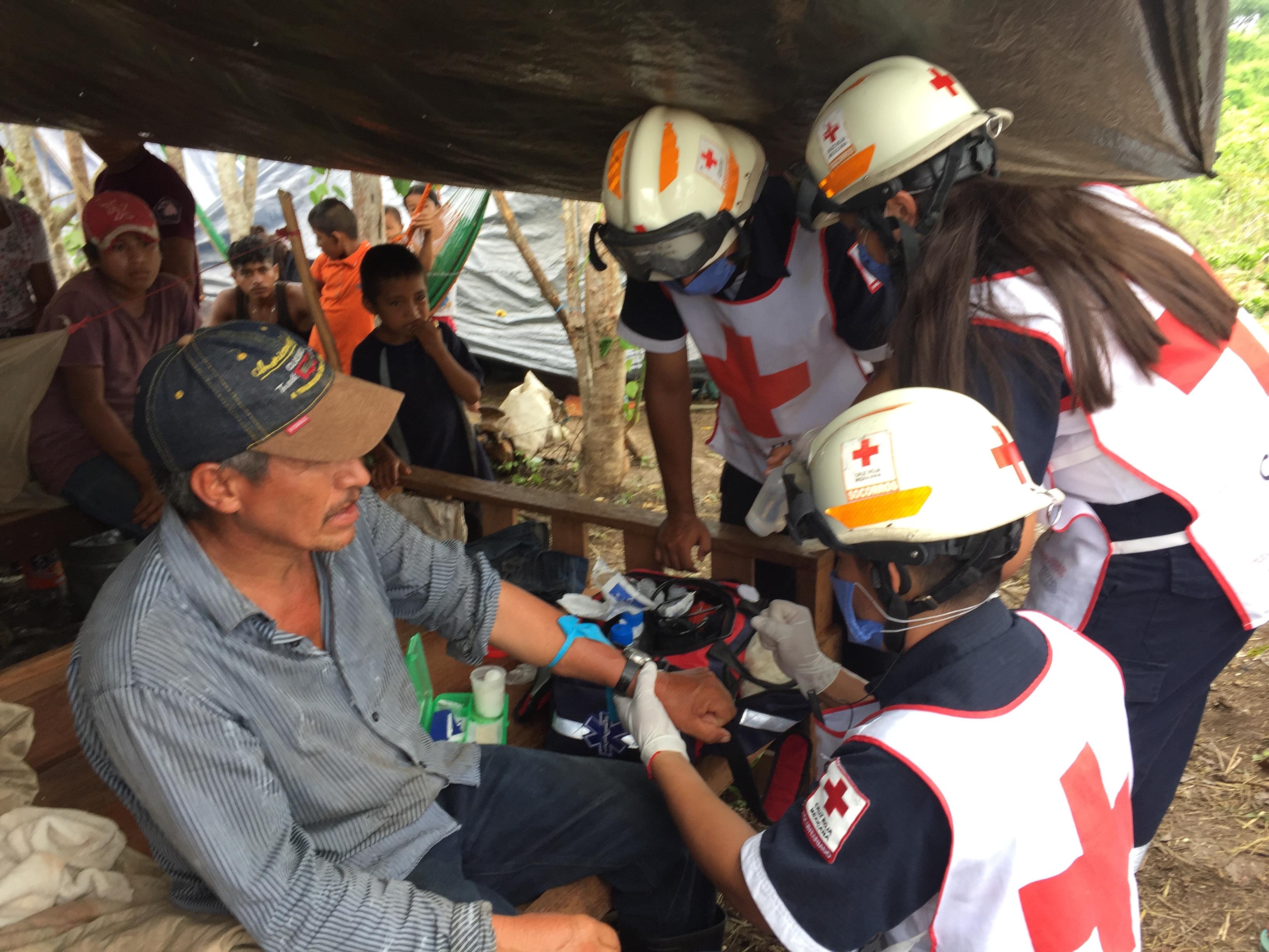 Preparan ayuda humanitaria a desplazados guatemaltecos
