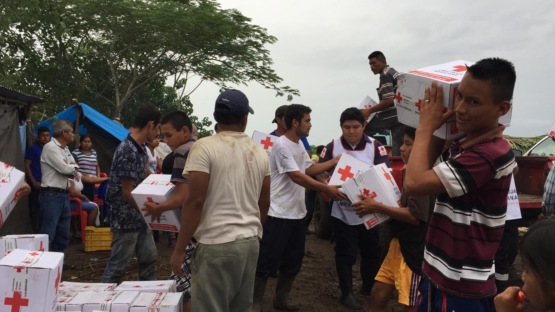 Llega ayuda a desplazados guatemaltecos en Campeche