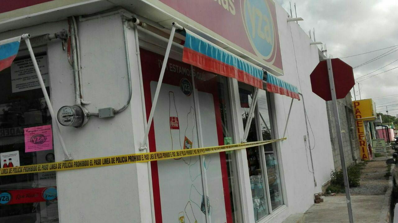 Encapuchado asalta farmacia en Kanasín