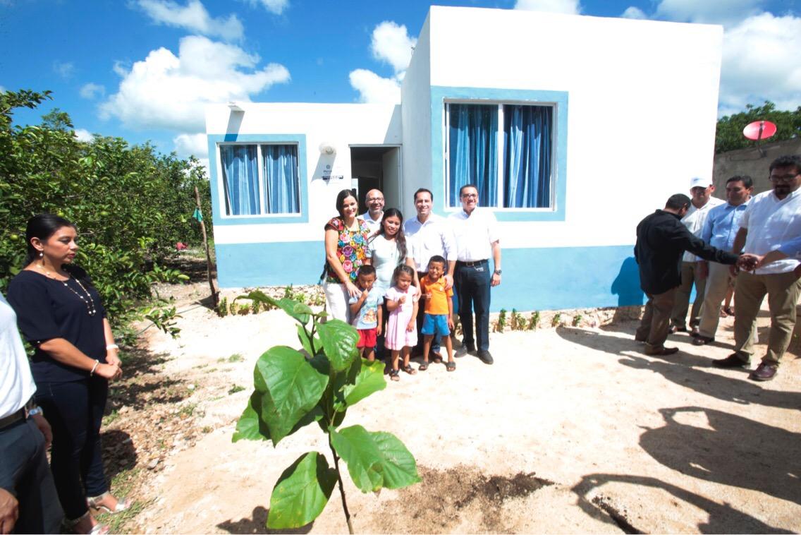 Casas en Mérida a 350 familias de colonias y comisarías