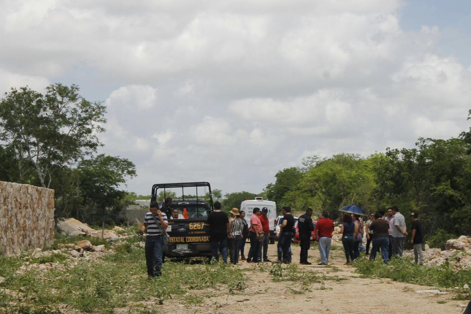 Encuentran a hombre muerto en terreno de Chichí Suárez