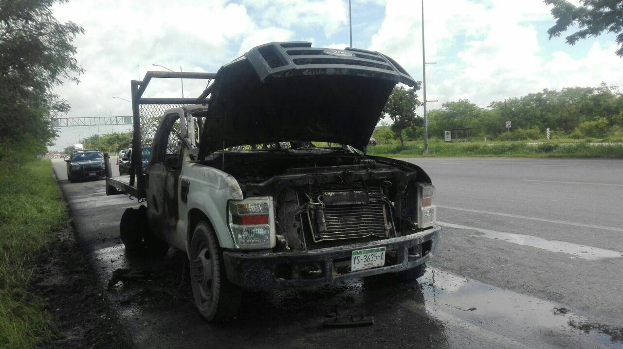 ¡Qué mala suerte! Percance mecánico deriva en incendio