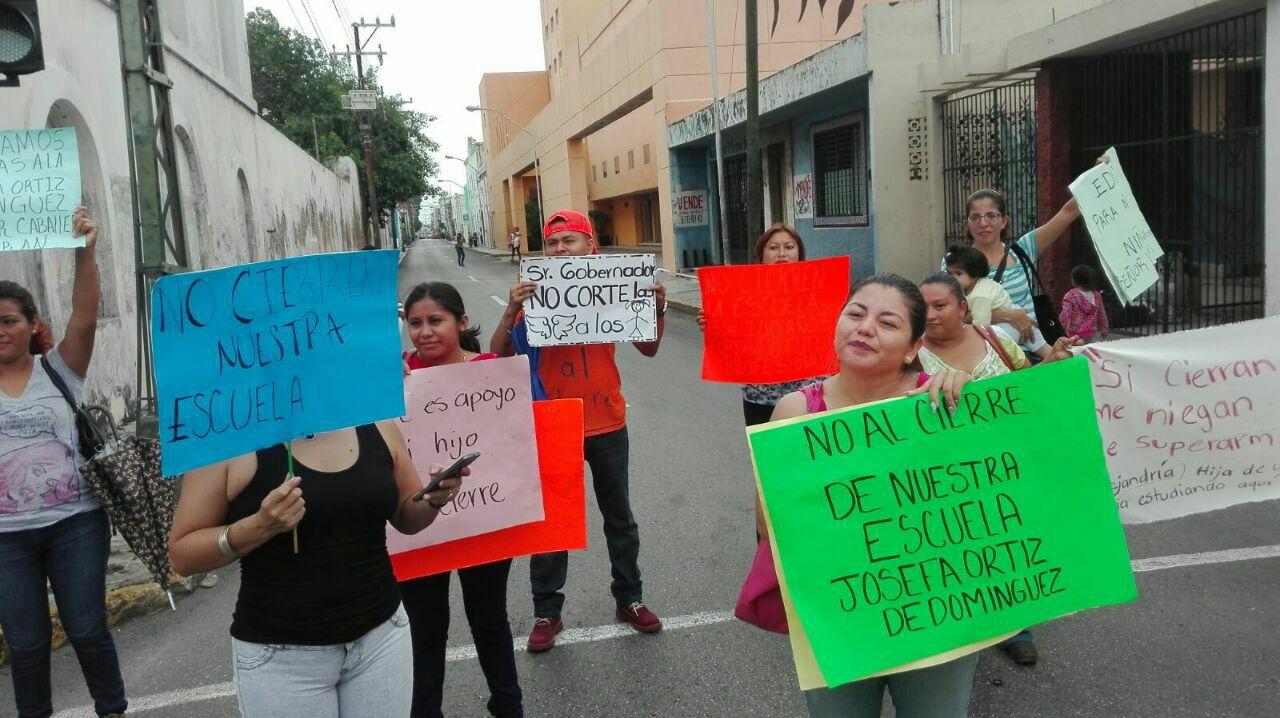 Cerrarían escuela yucateca de más de 100 años