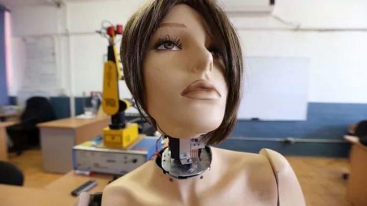 Marisol, el robot mexicano que acompaña y asiste a los ancianos