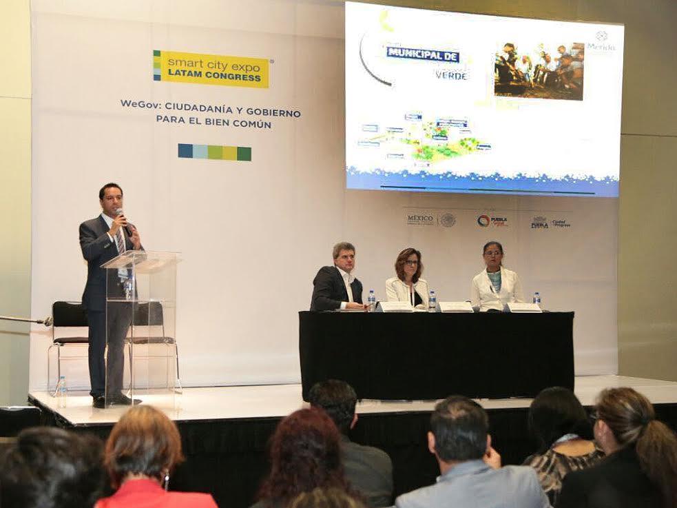 Participó Vila en Congreso Mundial de Ciudades Inteligentes