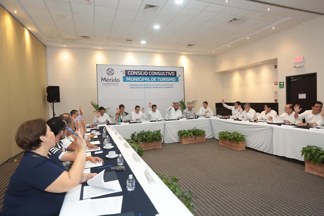 Encabeza Vila sesión ordinaria del Consejo Municipal de Turismo