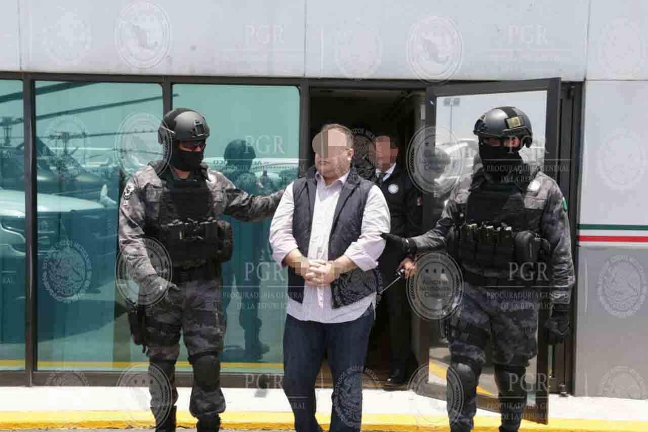 Exhiben 'lavado' de Javier Duarte