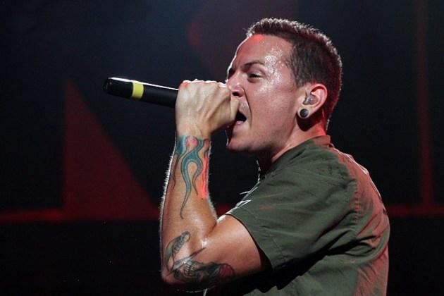 Reportan suicidio de Chester Bennington, vocalista de Linkin Park