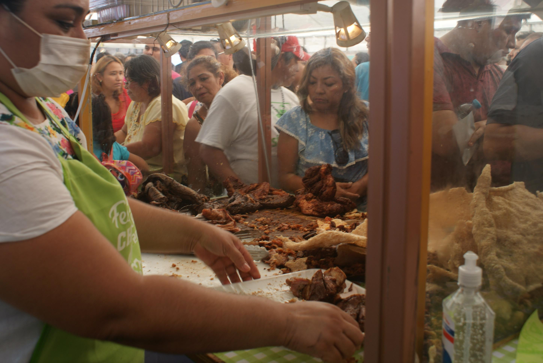 Saturado Primer Festival de laChicharra Xcalachén