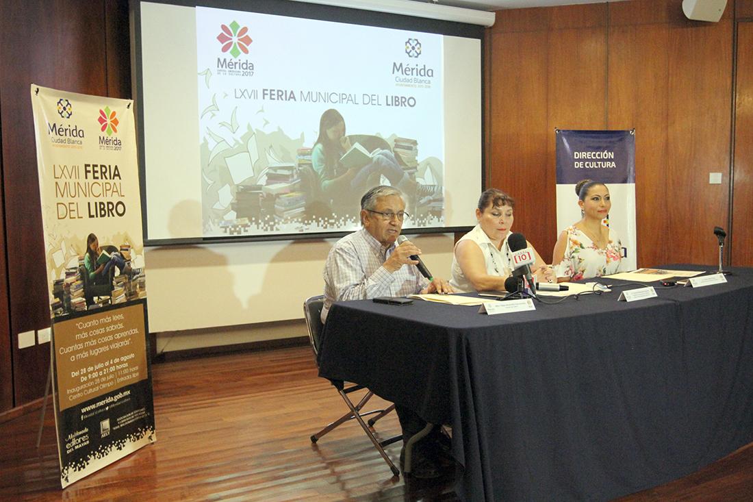 Promueve Mérida libro frente a 'bombardeo tecnológico'