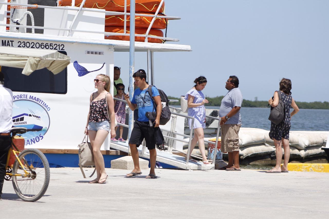 Al borde del caos, Holbox analiza limitar turismo