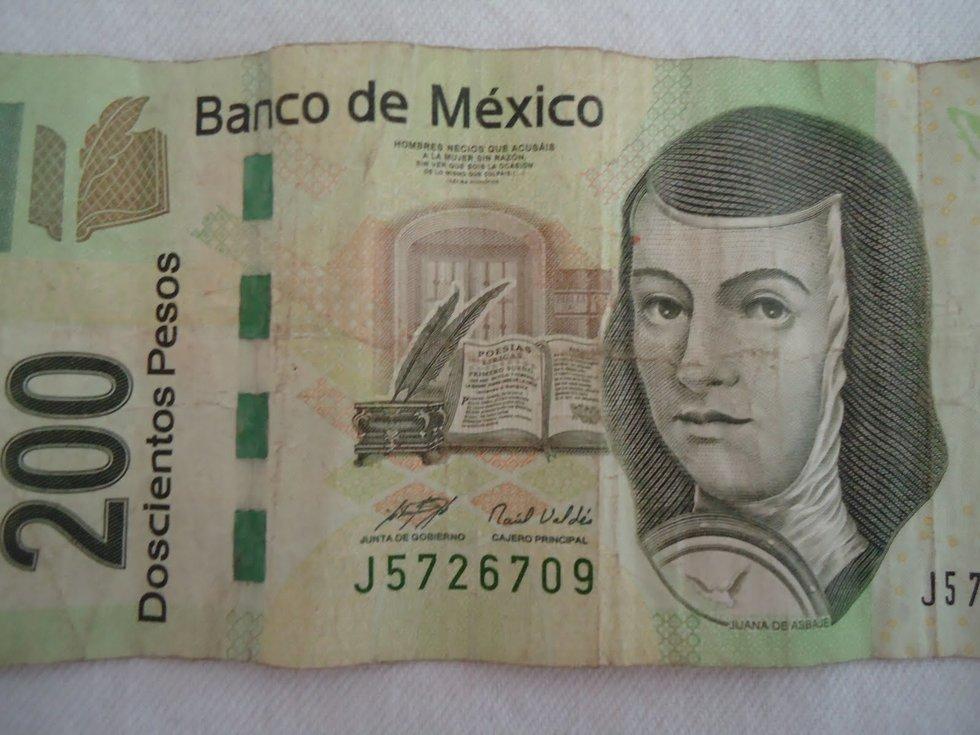 Doblar billetes, lo que les quita vida