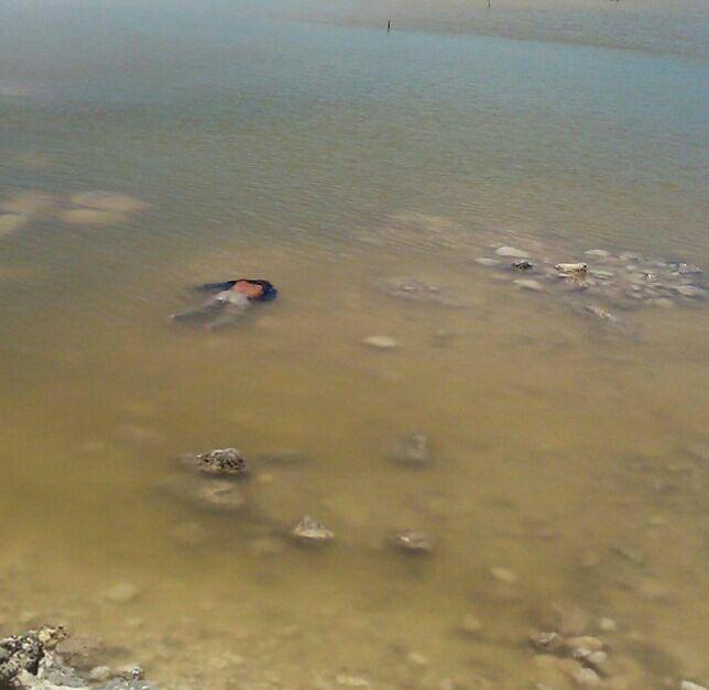 Ebrio cae a ría de puerto El Cuyo y muere