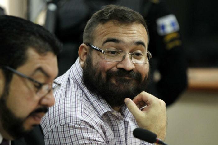 Suspende juez órdenes de aprehensión contra Javier Duarte