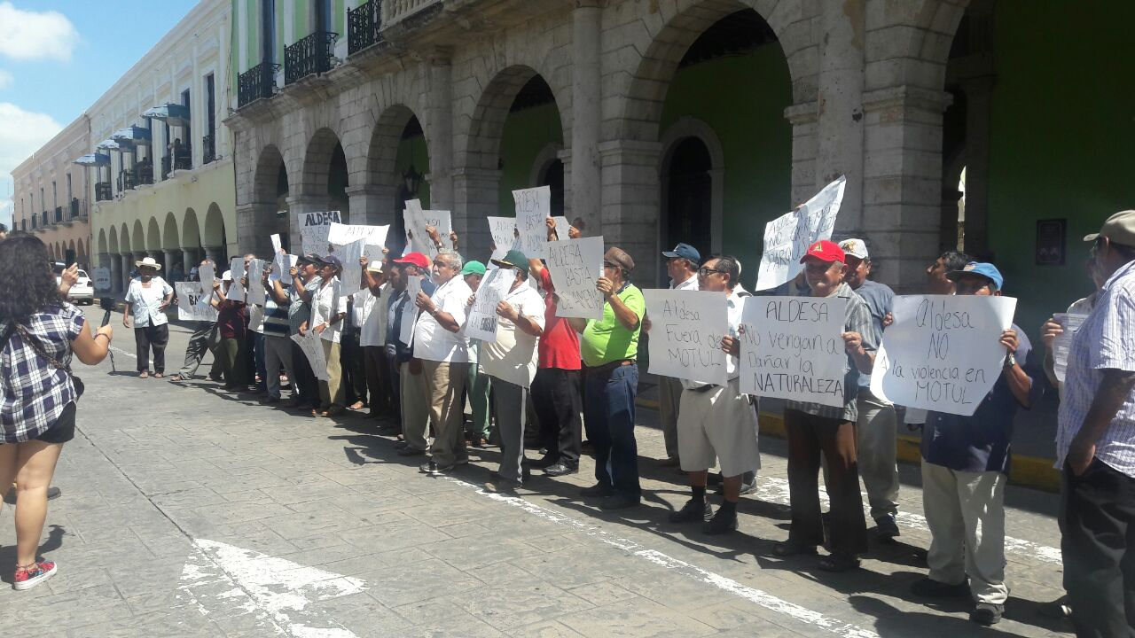 Denuncian amenazas y presiones por sus tierras en Motul