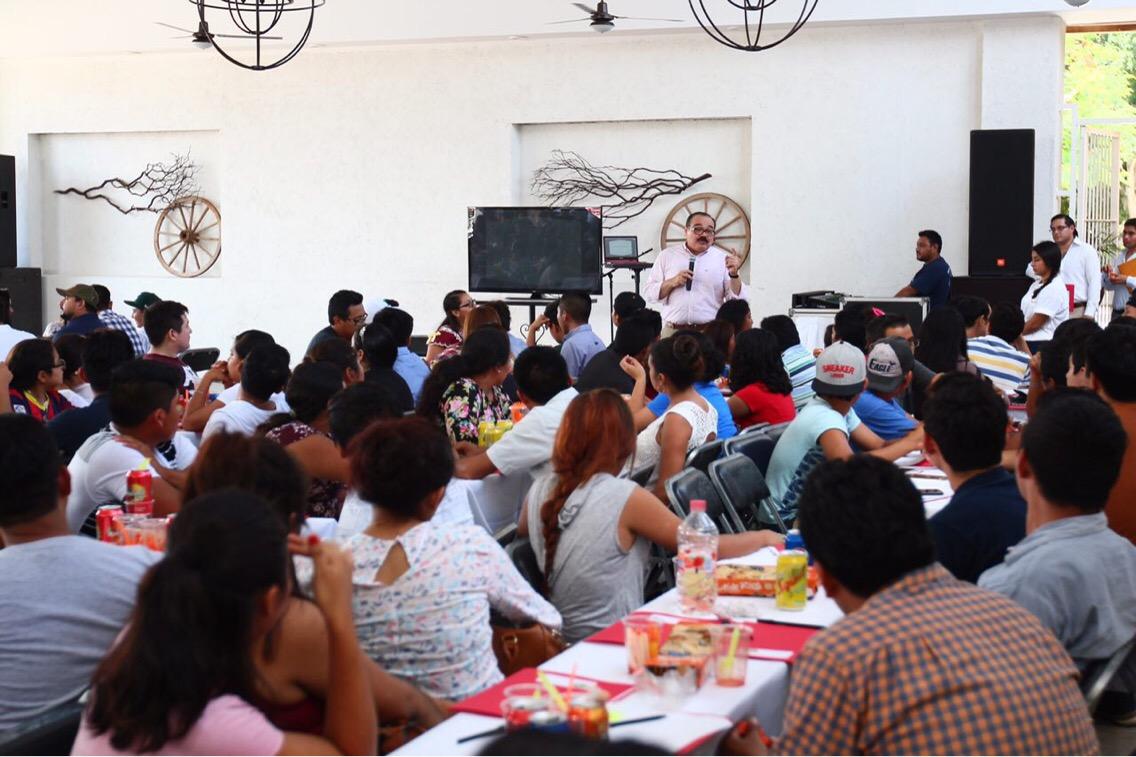 Ramírez Marín invita a jóvenes a impulsar cambios en la política