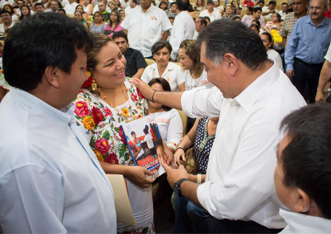 Guía de docentes mayas será distribuida por la UNESCO en el mundo