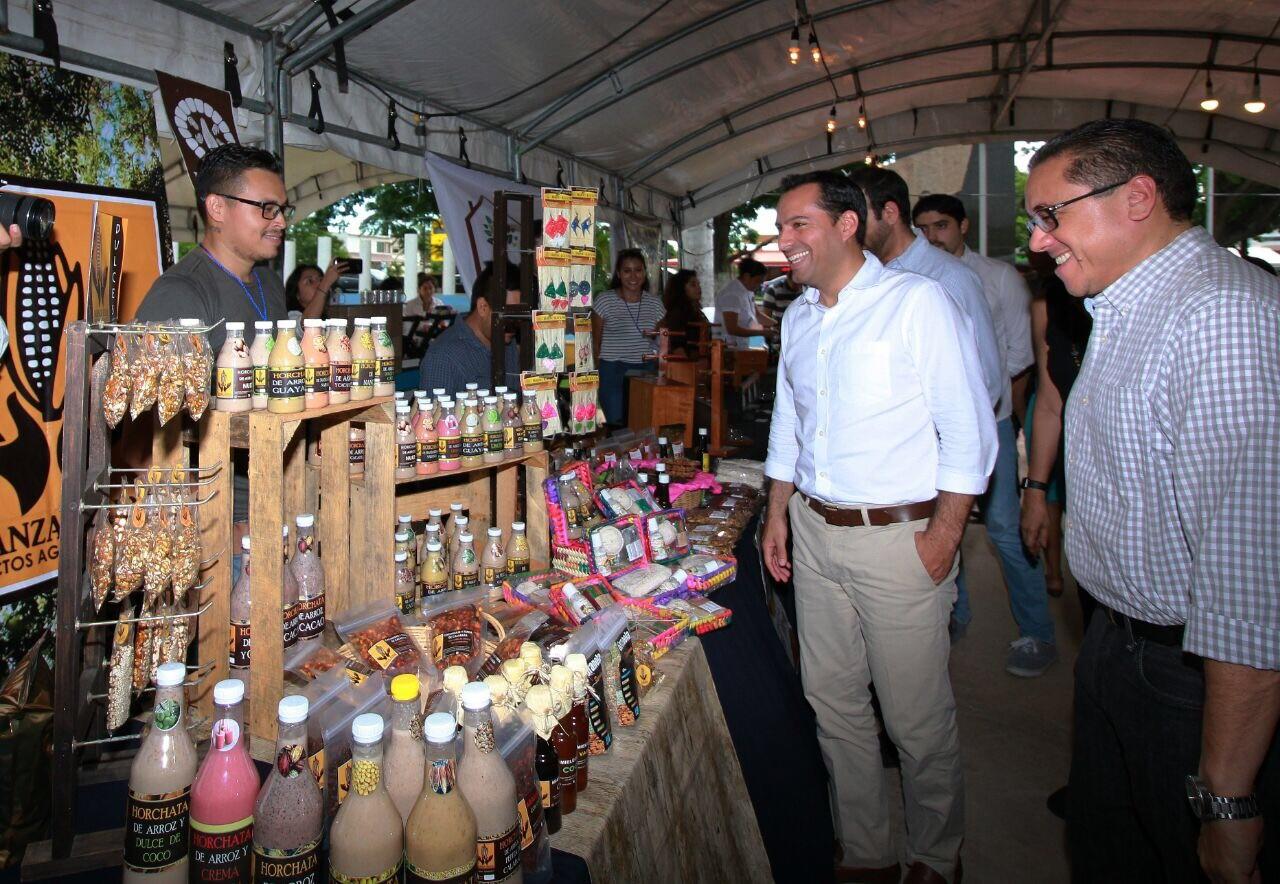 Mauricio Vila participa en tercera edición de Expo Mérida Emprende