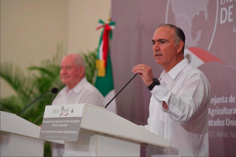 Niega Sagarpa compromisos con Monsanto