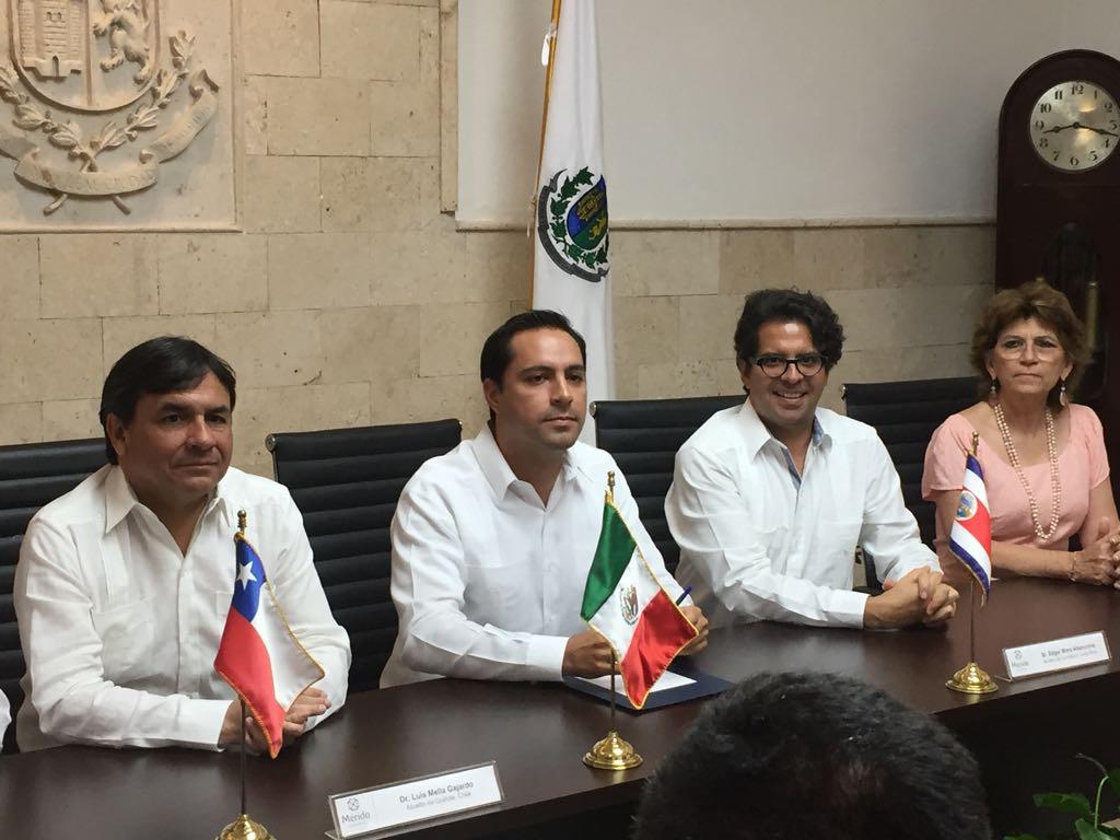 Une a Mérida cooperación con ciudades de Chile y Costa Rica