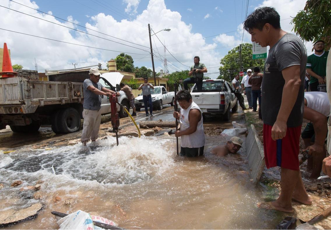 Otra mega fuga en la Bojórquez afecta a poniente Mérida