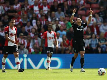'Chicharito' debuta como goleador del West Ham