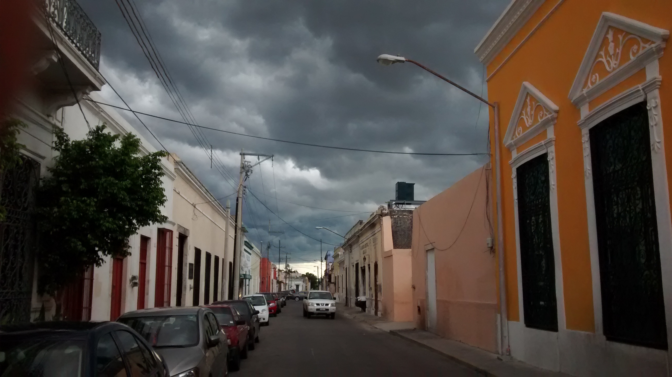 """Vienen días de """"calor al por mayor"""" y lluvias intensas"""