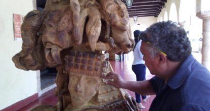 escultura mblemas mayas