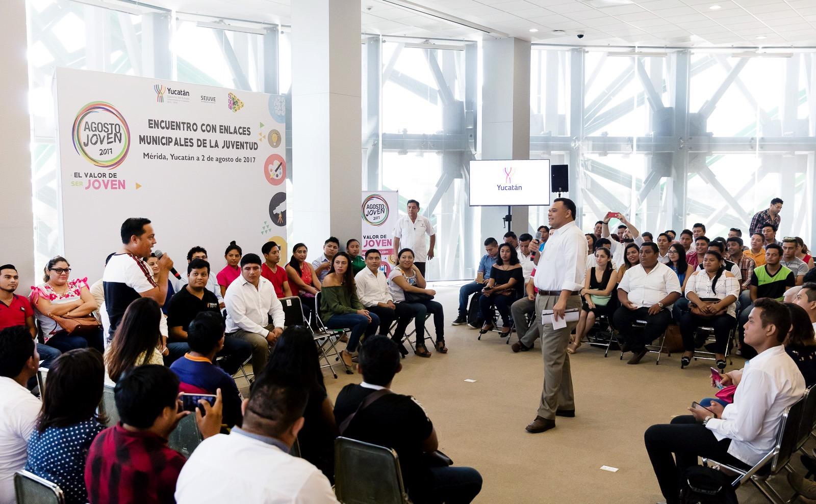 Aportan jóvenes visión de desarrollo estatal