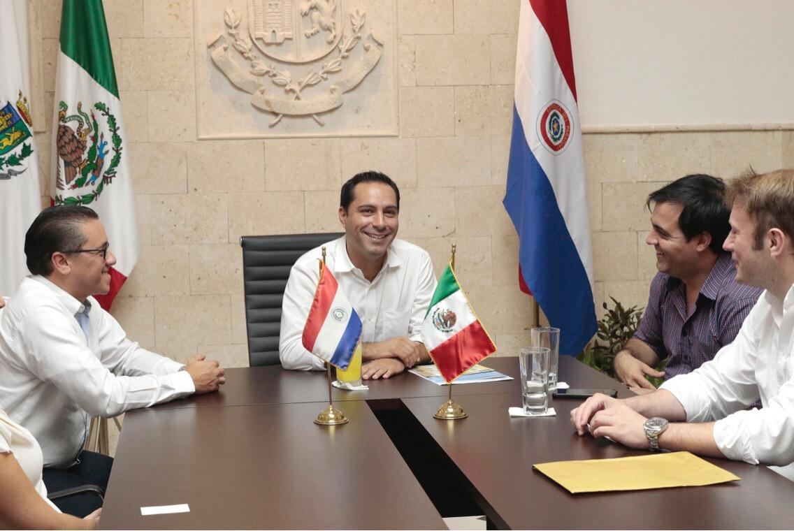 Concejales de Lambaré, Paraguay, elogian programas de Mérida