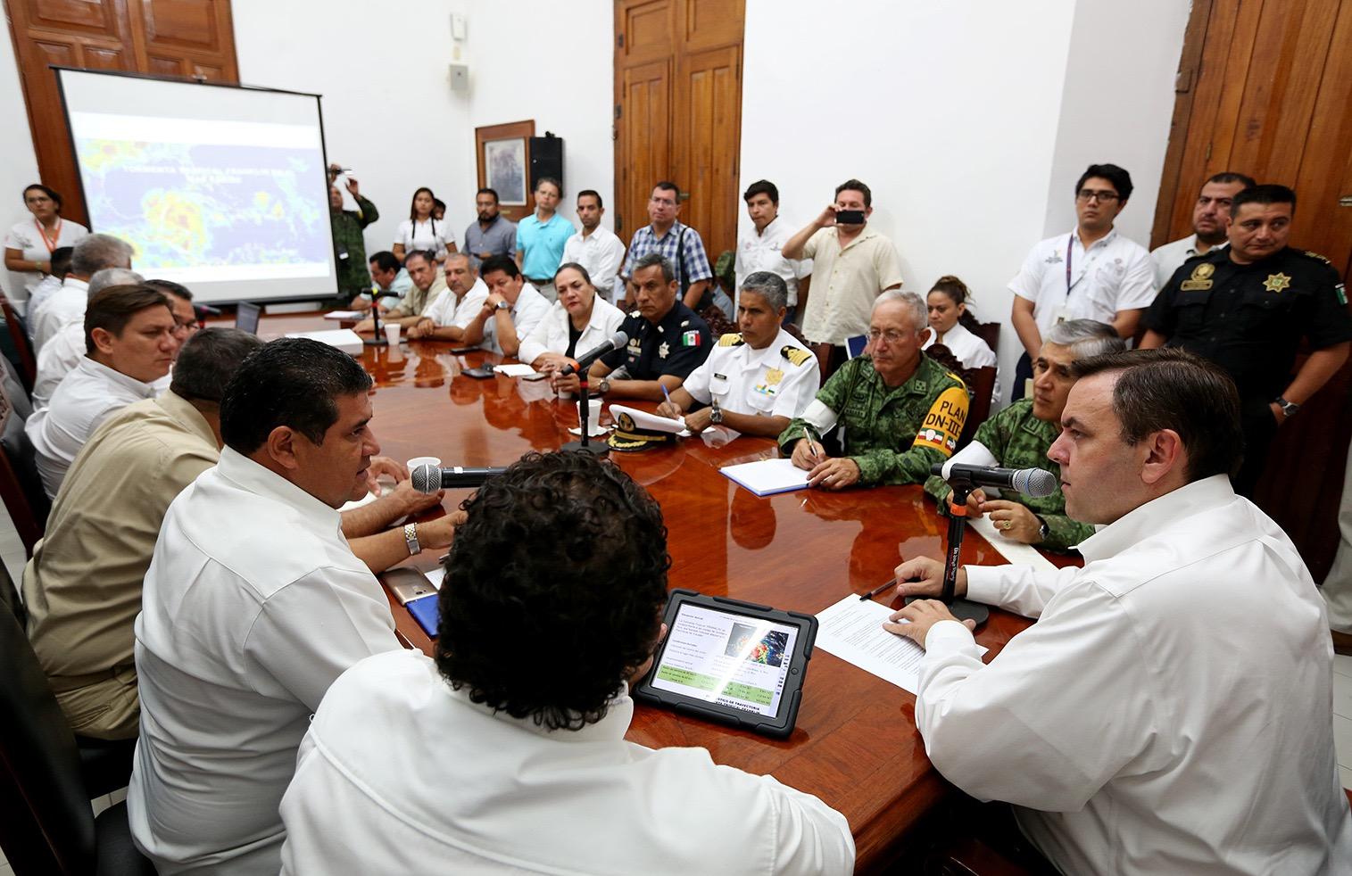 Despliegan brigadas y efectivos en 6 municipios yucatecos