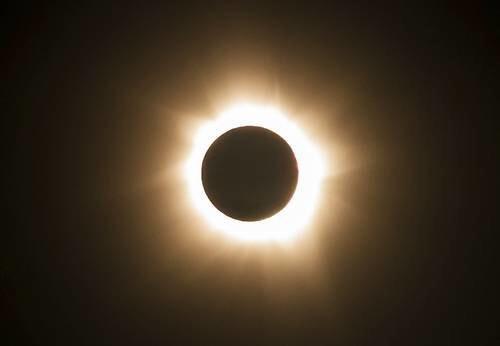 El eclipse del 21 de agosto nos hará bajar de peso