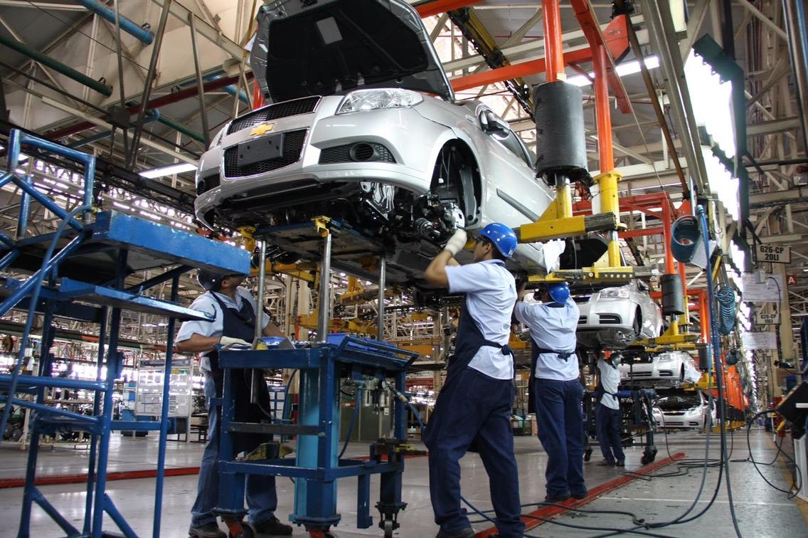 Gran choque en TLCAN será por sector automotriz