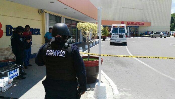 Reciben con más violencia en Cancún a mando policial
