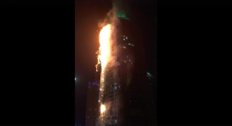 Estremecedor incendio en rascacielos de Dubai