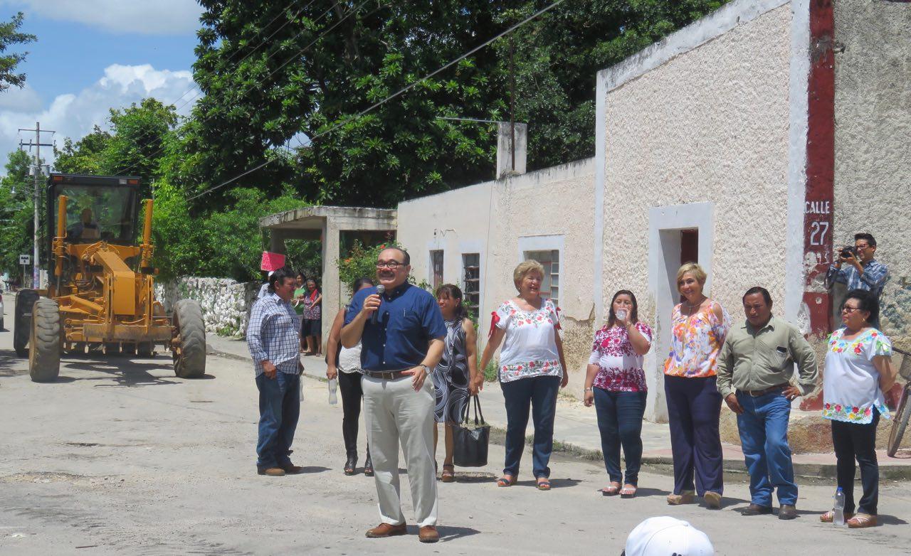 Llevan obras viales a municipio de Ixil