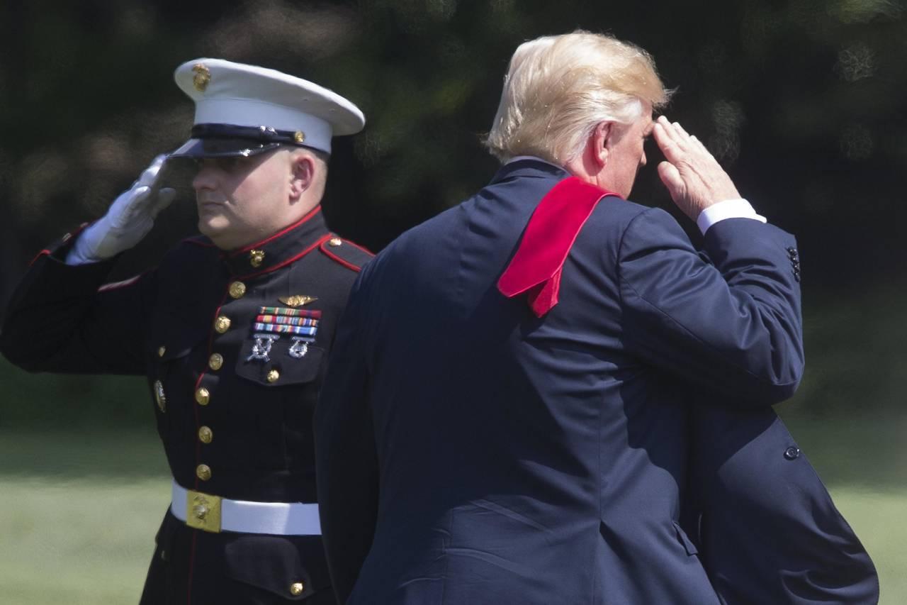 Disminuye apoyo a Trump en sus 200 días al mando