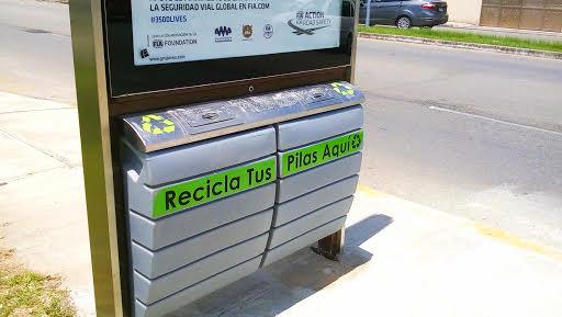 En banquetas de Mérida recolectores de pilas usadas