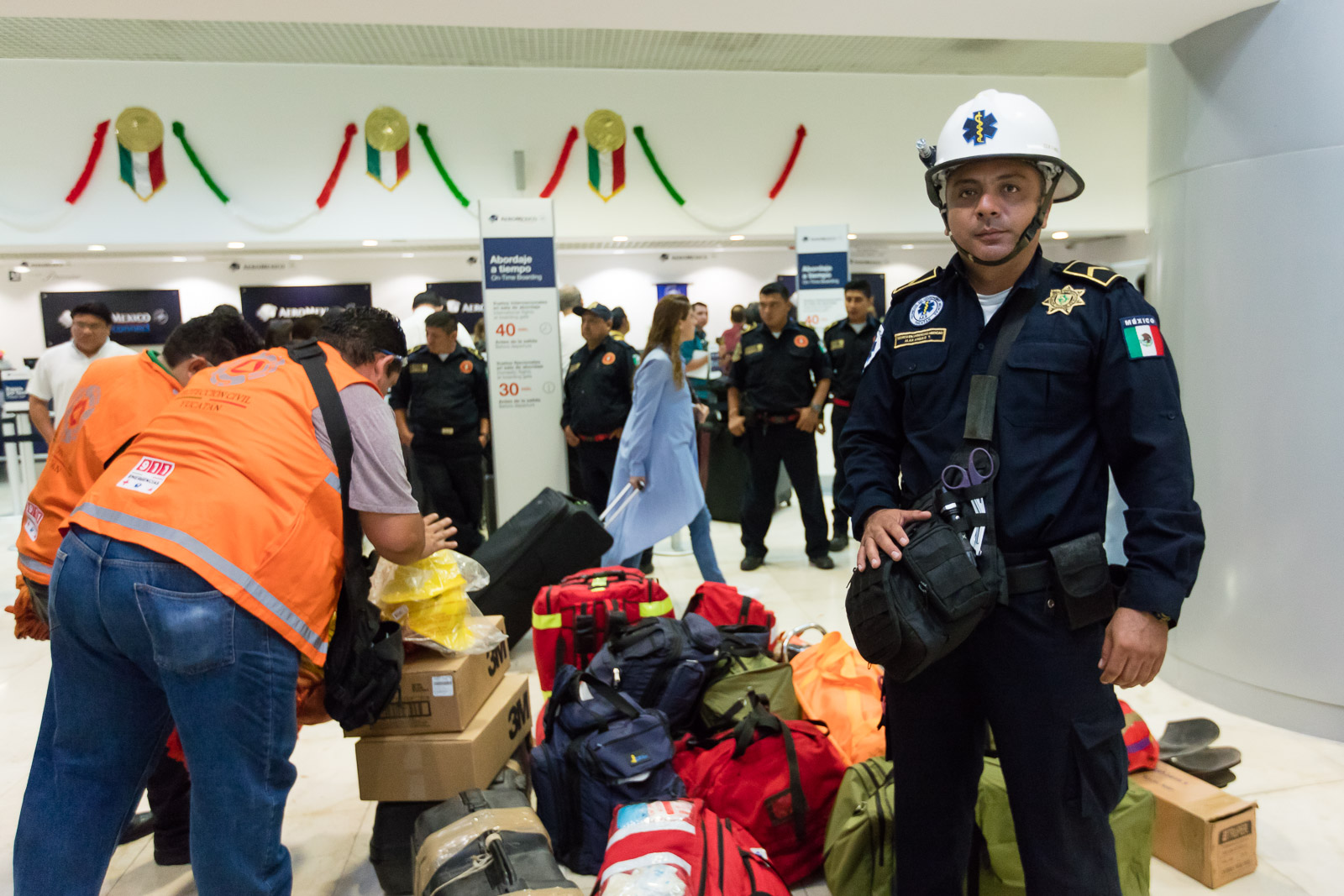 Viajan yucatecos en auxilio de afectados por sismo