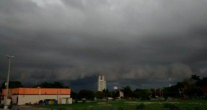 Clima nublado merida lectormx foto Eduardo Vargas