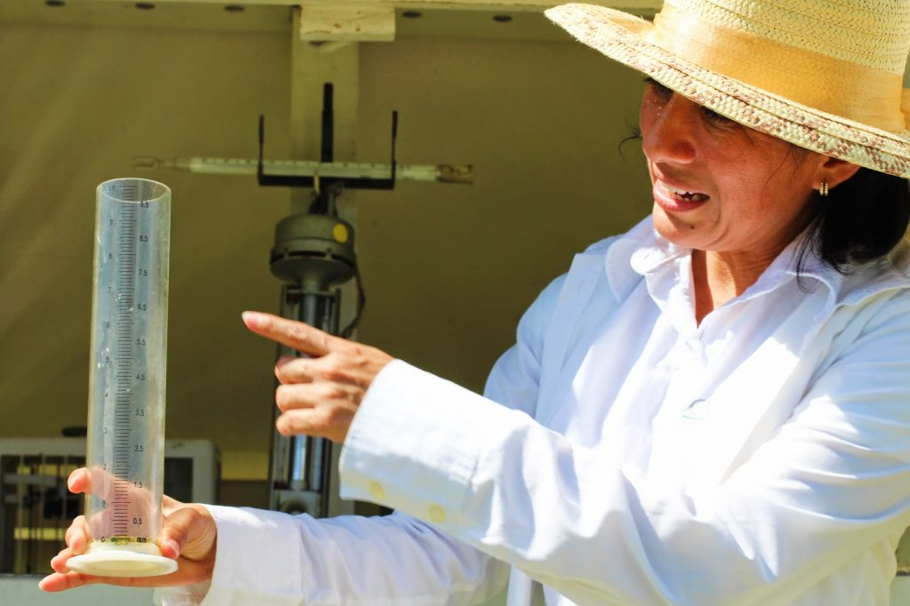Sonia Naal directora observatorio en garita meteorológica merida