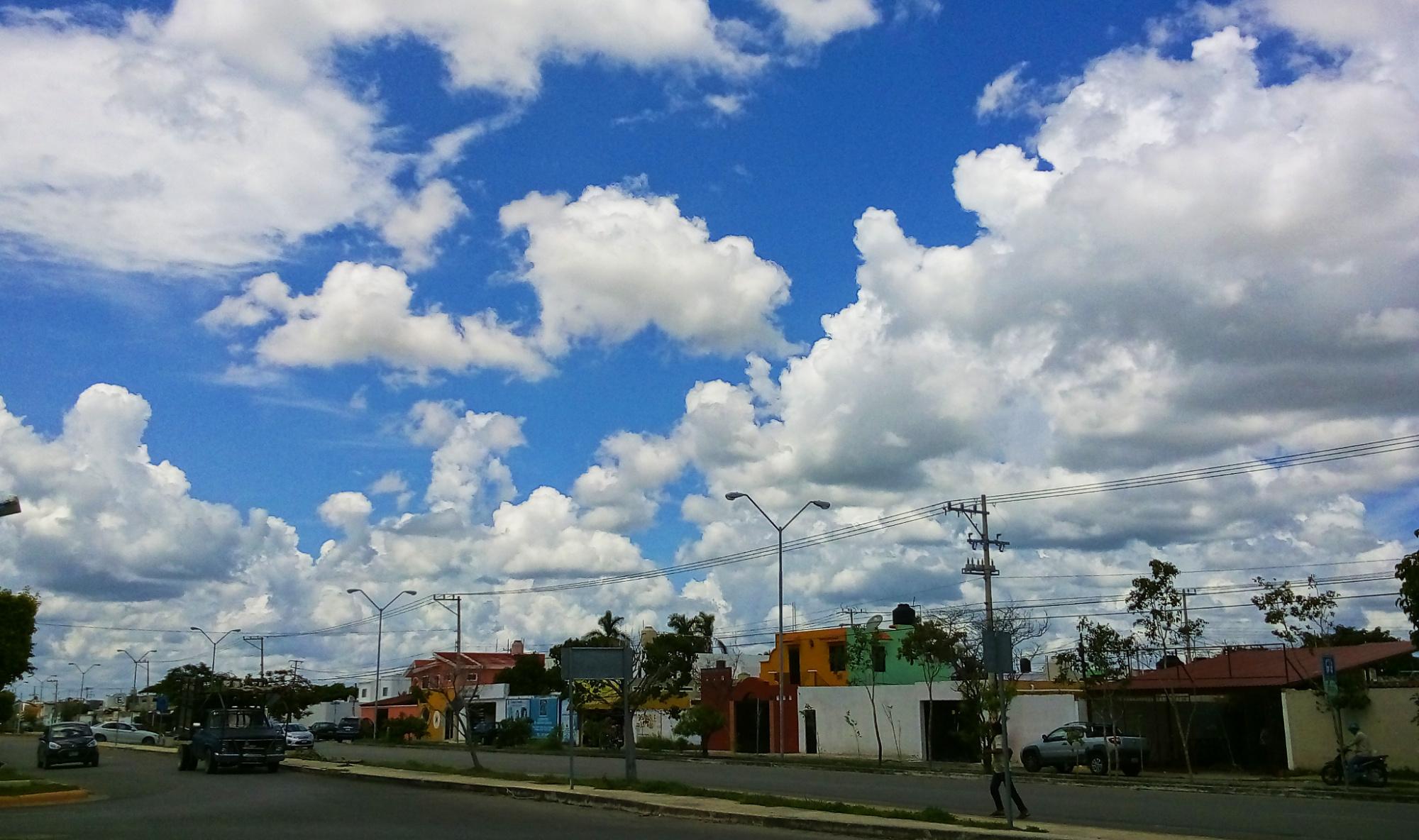 """Calor y lluvias """"se mezclan"""" en Yucatán; """"Irma"""" ha muerto"""